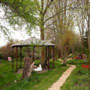 Garten mit Dhuni